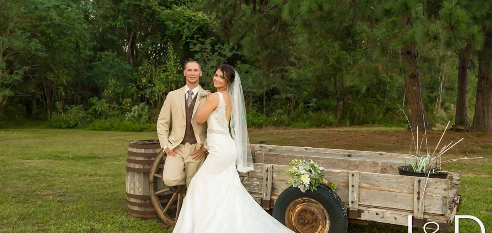 outdoor wedding venue near me with ranch and a barn